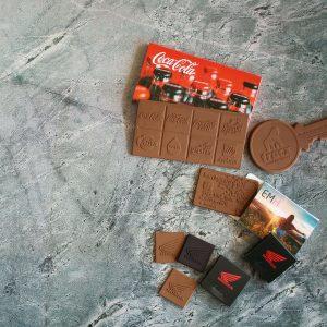 לוחיות שוקולד לוגו